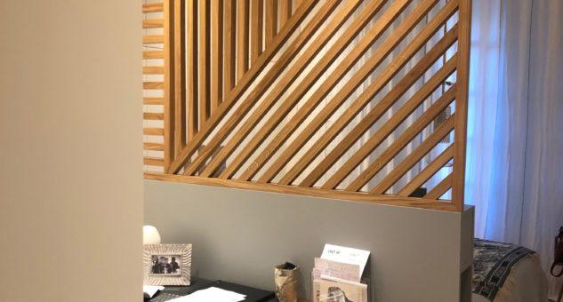 Espace Tête de lit avec claustra et bureau
